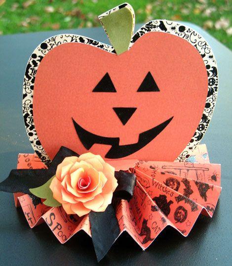 Halloween Party Decor -- Pretty Halloween centerpiece or home decor - halloween party decoration ideas
