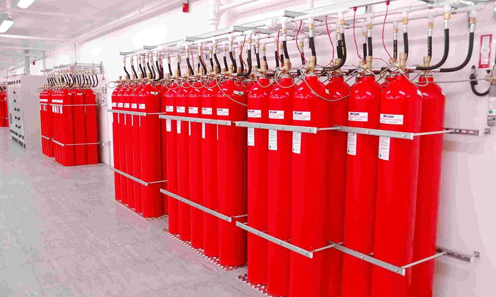 Fm200 Gazlı Söndürme Özellikleri: FMM200 Gazlı basınçla sıvılaştırılarak silindire depo edilebilir.Kullanımının kolaylığıda buradan gelmektedir.