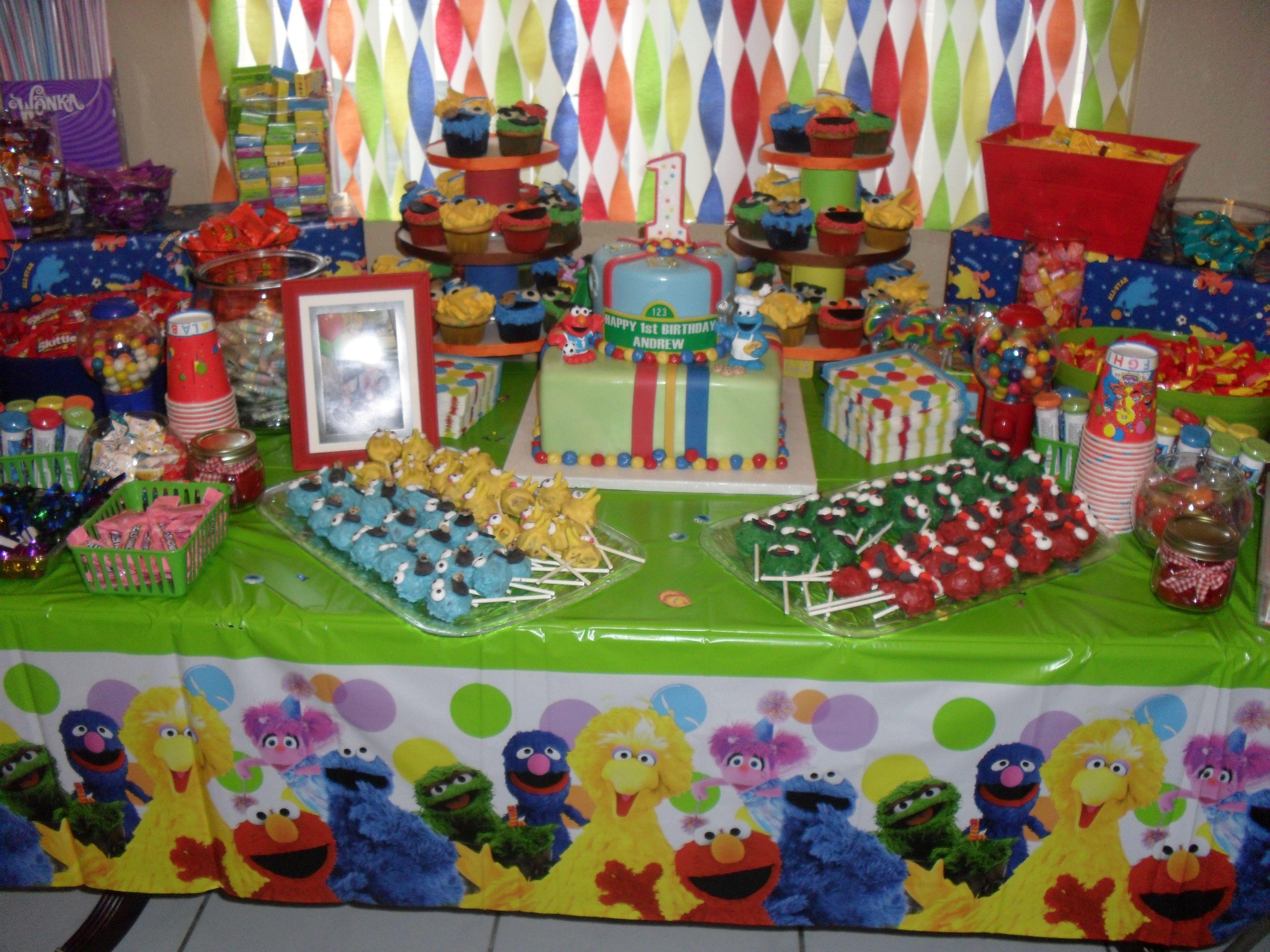 Halloween candy buffet idea - Diy Sesame Street Birthday Party Candy Buffet Set Up