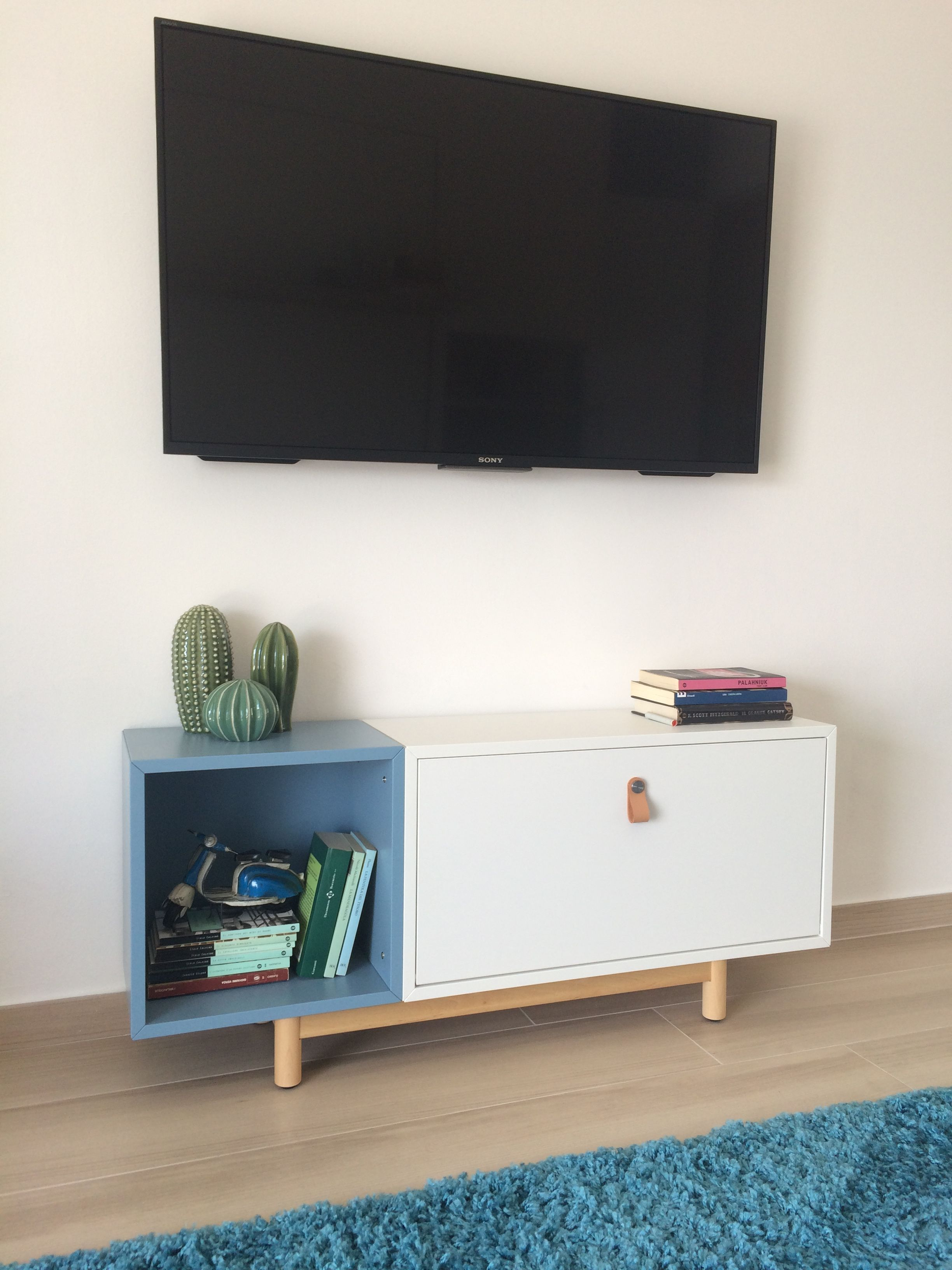 Eket Ikea hack console TV wall mount easy mount e personalizable