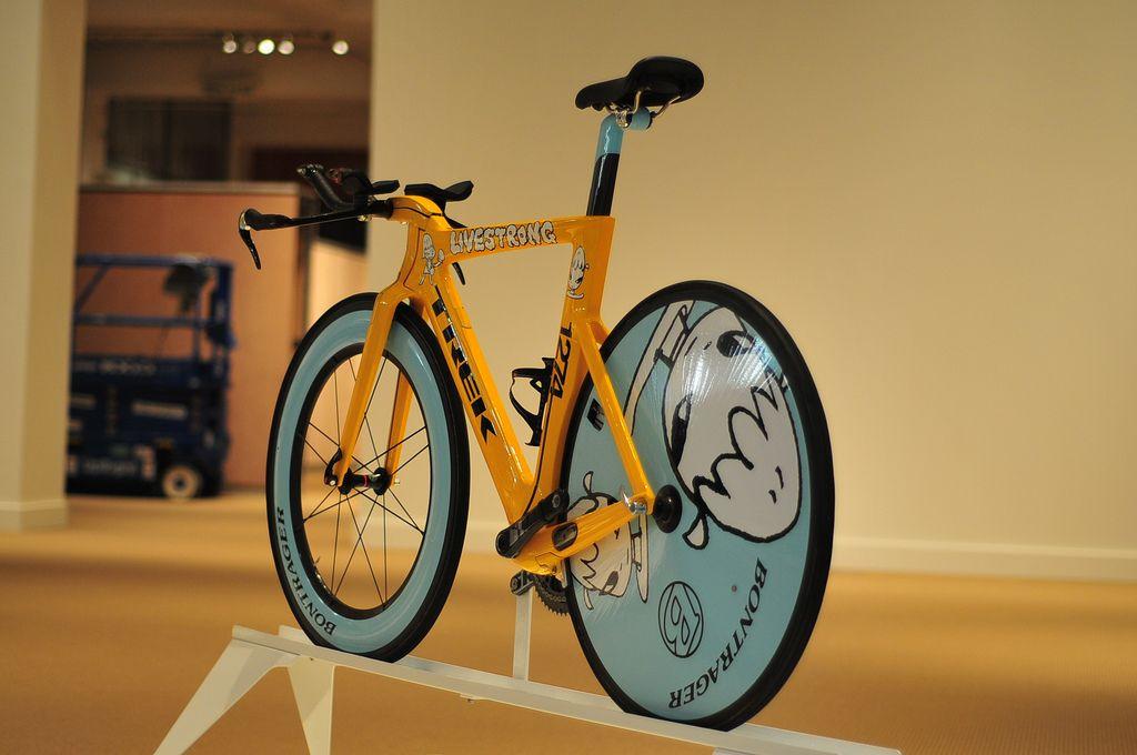 Yoshitomo Nara Trek Speed Concept   Bike swag, Aluminum bike, Classic road  bike