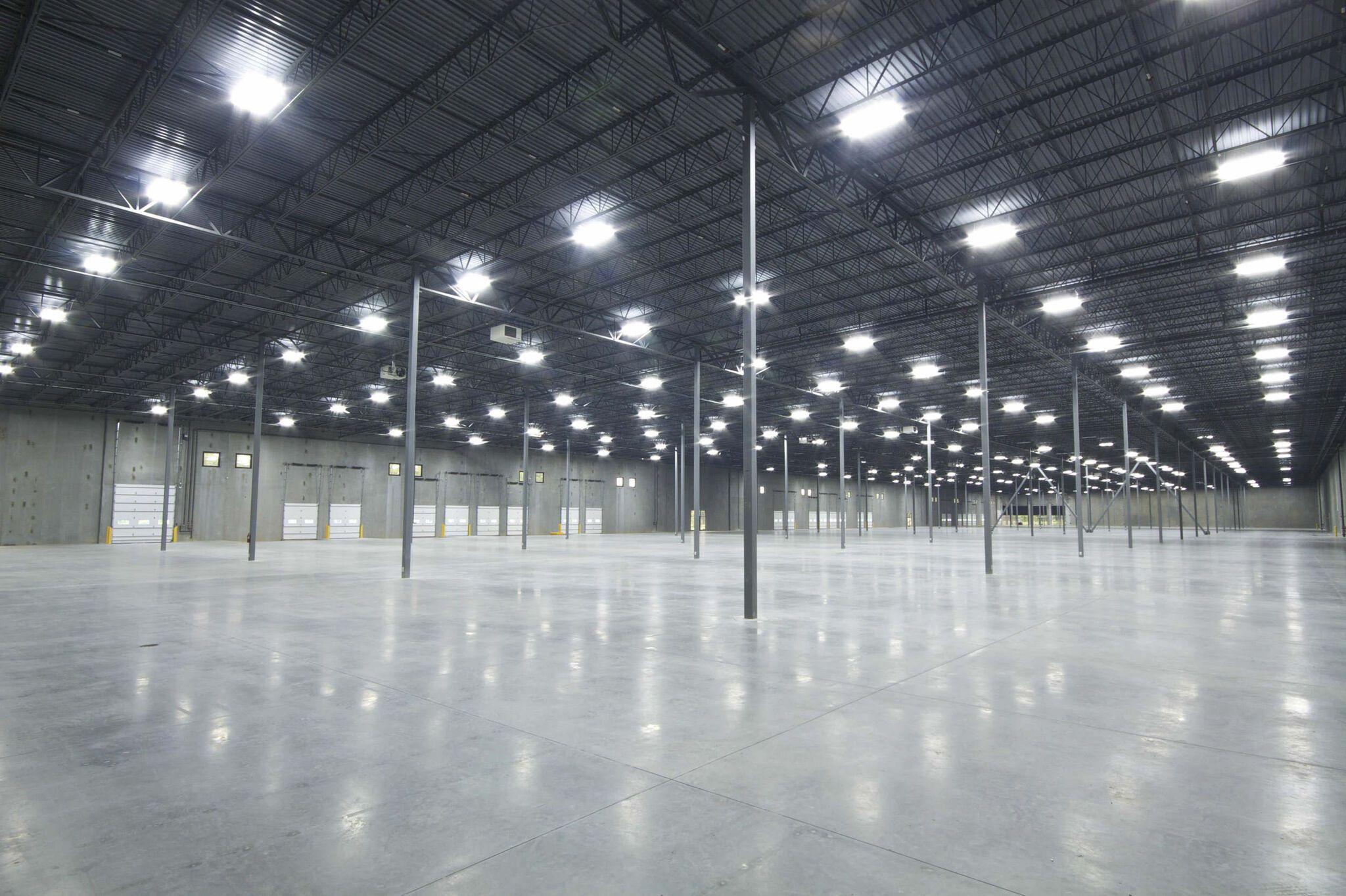 Wer Sind Wir Welche Produkte Finden Sie Bei Uns Www Uniled At Https Bit Ly 2q5tdp8 In 2020 Led Leuchten Indirekte Beleuchtung Beleuchtung