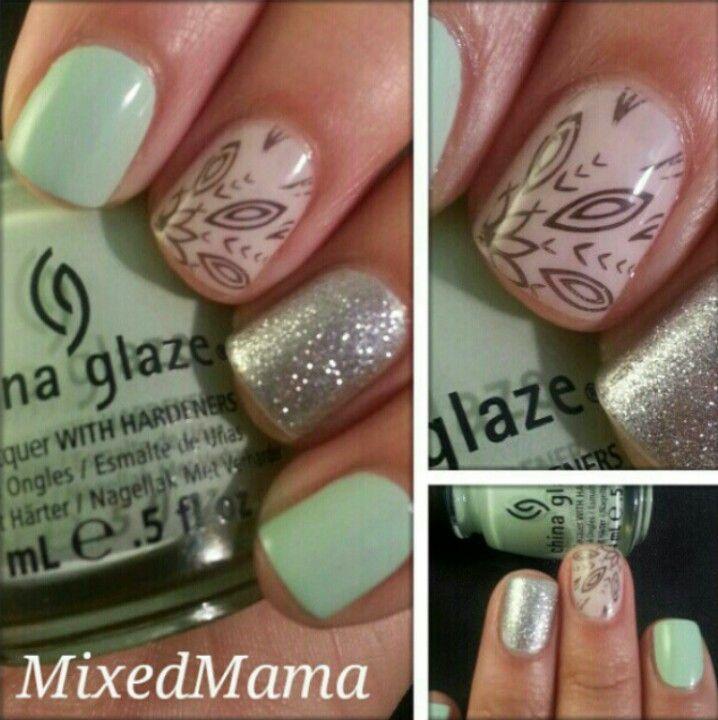 love MixedMama's nails!