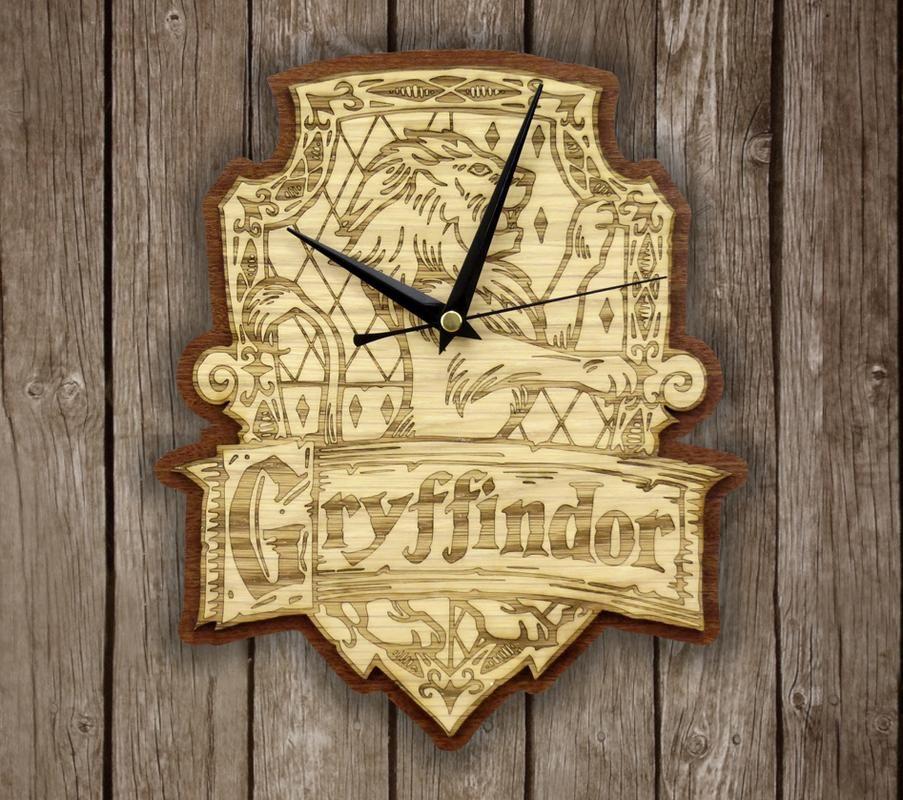 Handmade gryffindor wooden clock harry potter wallclock