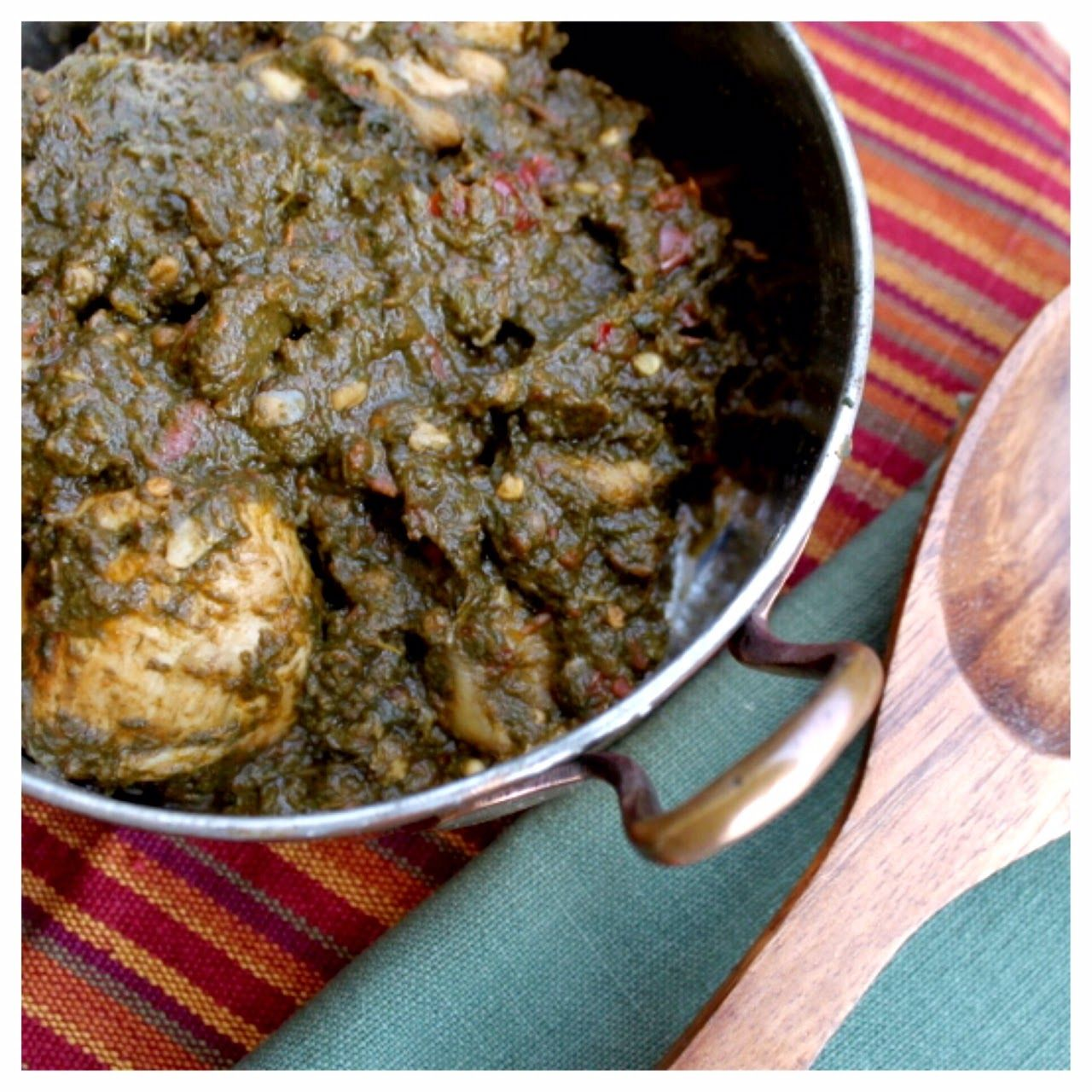Gawal mandi pakistani style spinach and chicken curry palak palak gosht was cooked a lot in my mothers household during the winter season i never liked what meat did to the spinach while liv forumfinder Images
