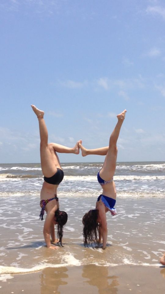 Cool Beach Pose For Friends