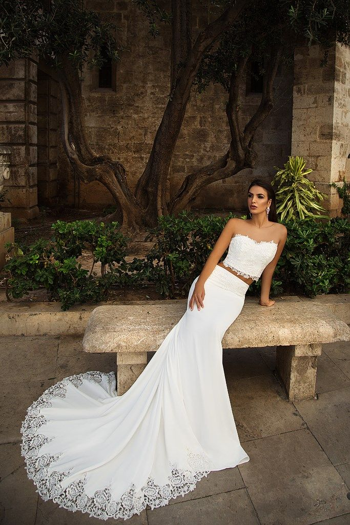 vestidos de novia con escotes altos #casamientoscomar #novias2018