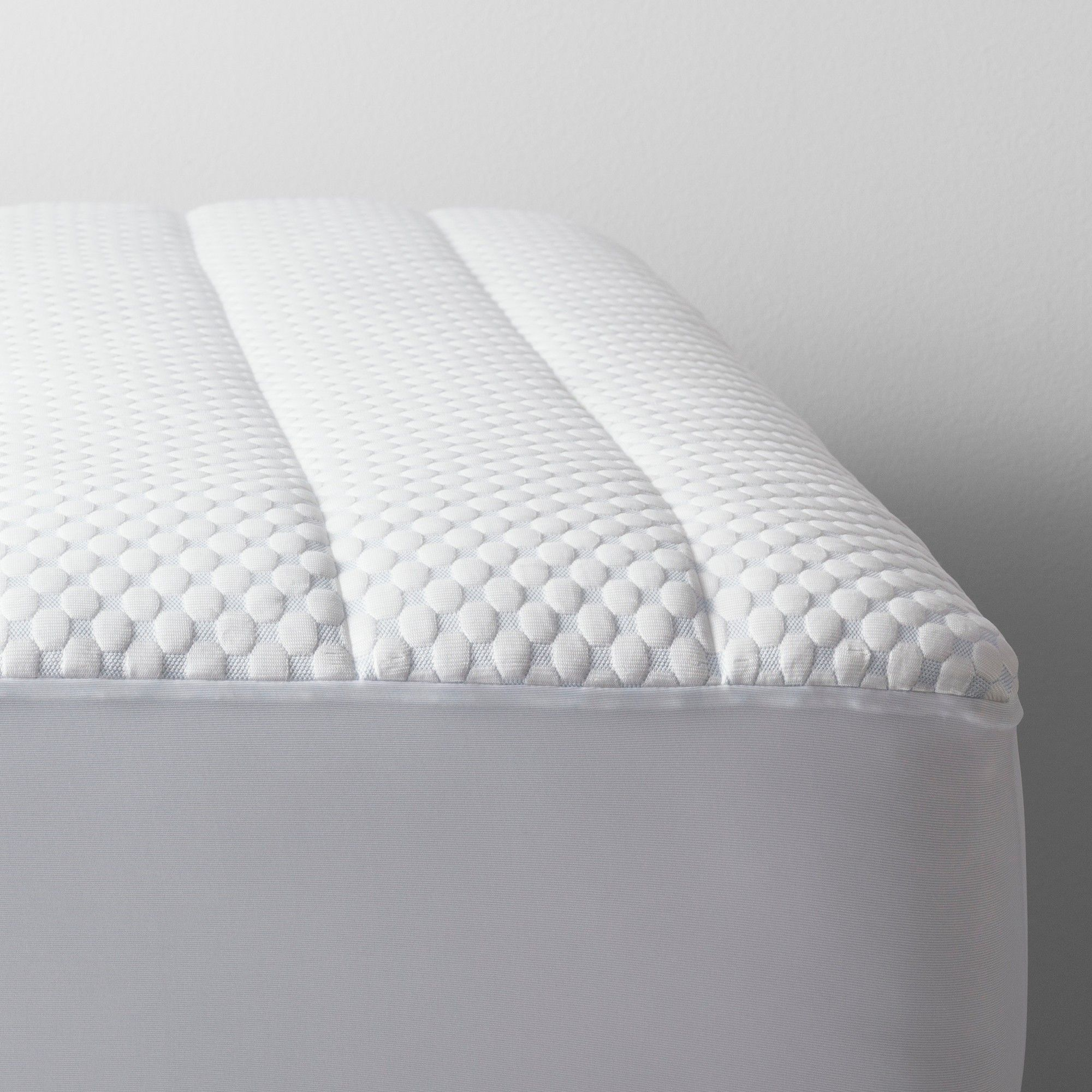 Cool Touch Mattress Pad Twin White Made By Design In 2020 Mattress Mattress Pad Cooling Mattress Pad