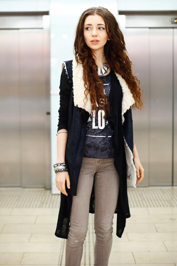 Minamia outfit: weste-tasche-plateau-accessoires-blogger-trend leo