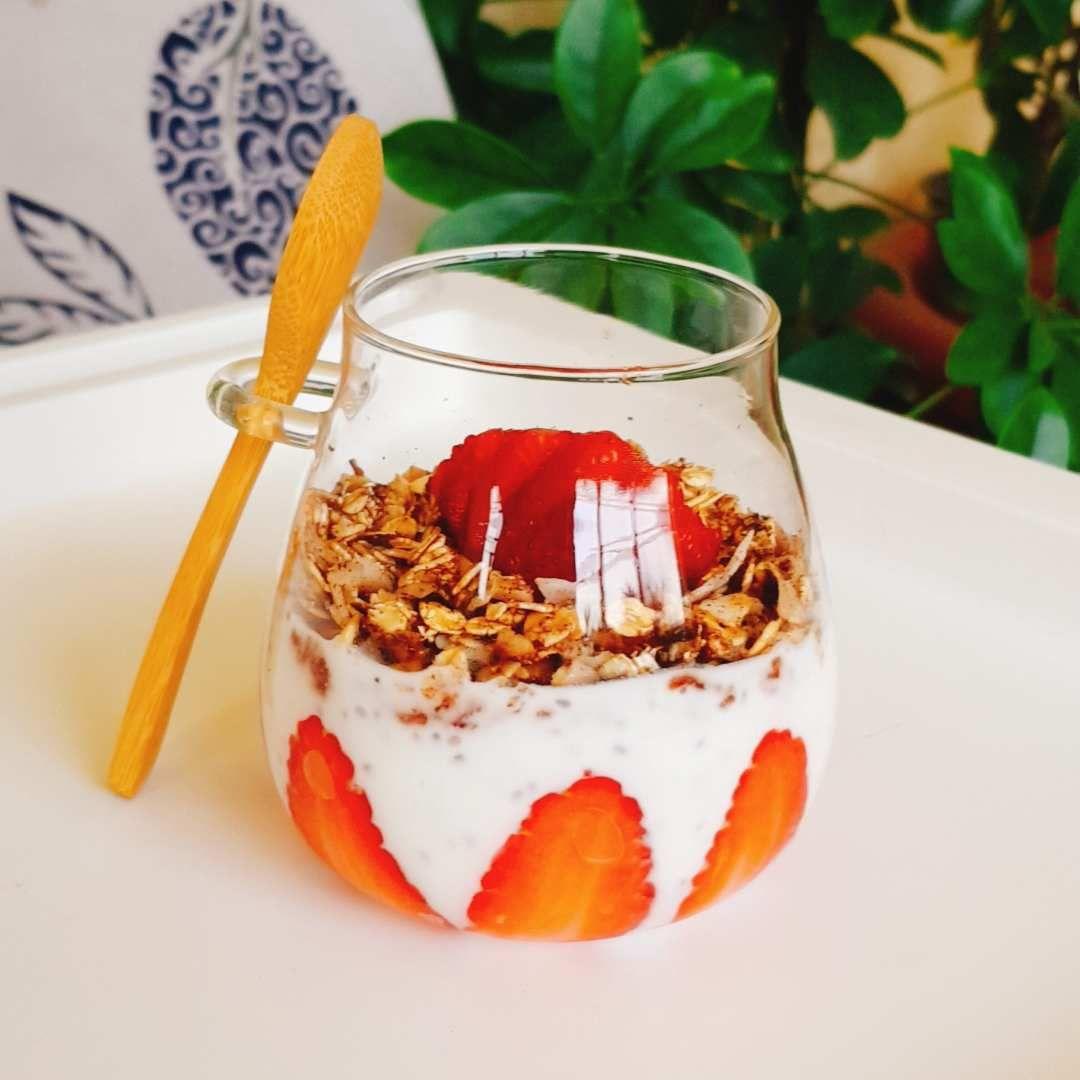 فطور الشوفان بالفراولة Recipes Food Pudding