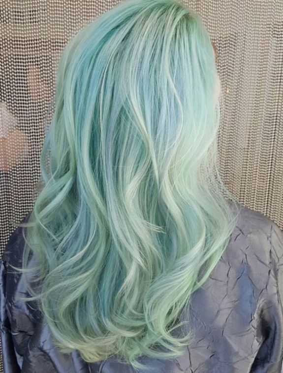 20 Mint Green Hairstyles That Are Totally Amazing Light Blue Hair Green Hair Ombre Hair Color Pastel