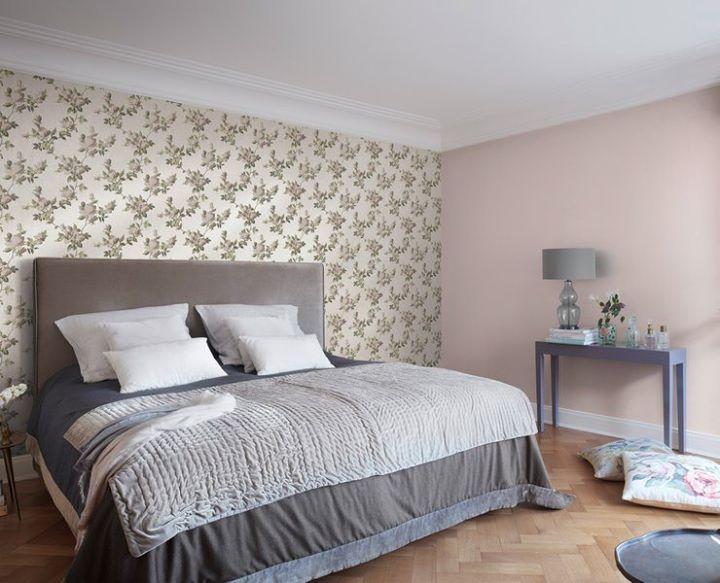 Wohnen Mit Tapete Im Schlafzimmer Bei Hellen Mobeln Wird Oft Zu