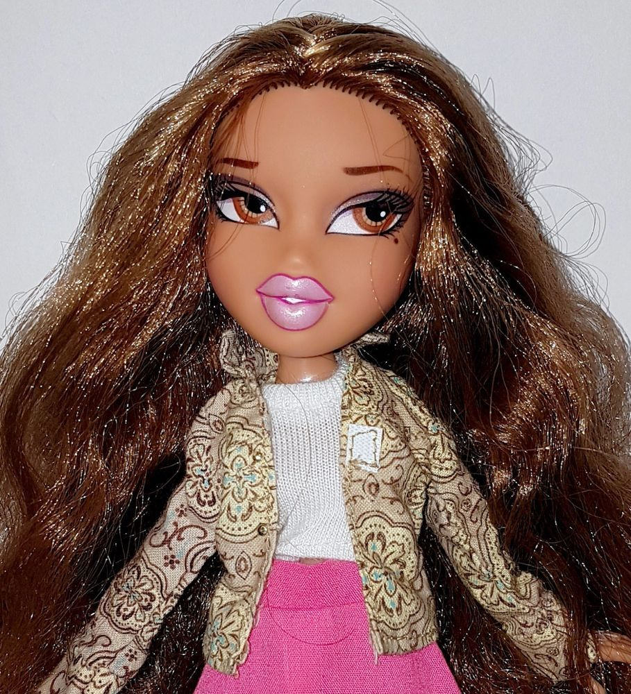 Bratz Yasmin Fashion Doll Non Jointed Legs Girl Brat Long Brown Hair Pink Lips Long Brown Hair Fashion Dolls Bratz Yasmin