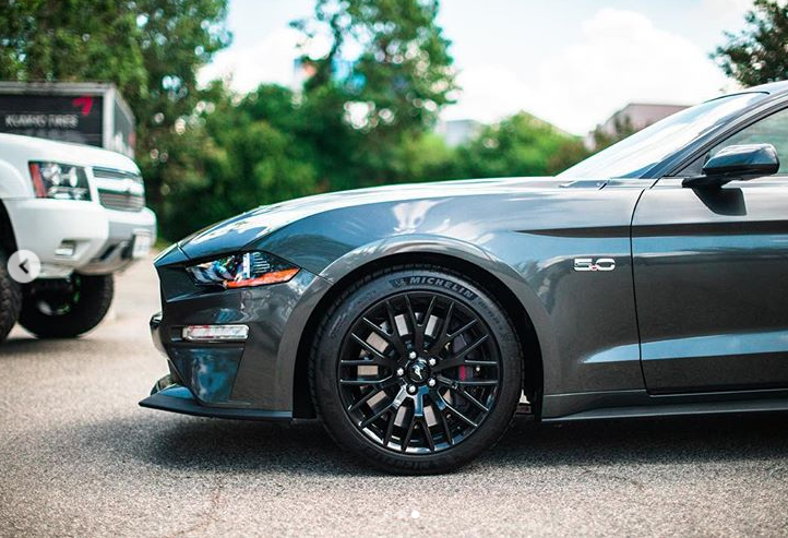 Rsr 2019 Ford Mustang Project Car Is Here Wheels Are Coming Soon