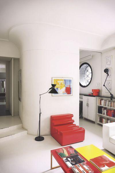 Fauteuil Rouge Karelia De Liisi Beckmann 1966 Zanotta Et Lampe Jielde Bauhaus Interior House Inside Interior