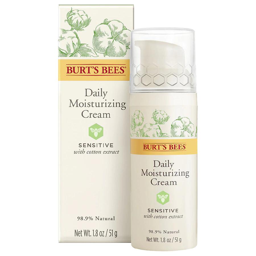 Burt S Bees Daily Face Moisturizer Cream For Sensitive Skin In 2020 Moisturizer For Sensitive Skin Moisturizer Cream Daily Face Moisturizer