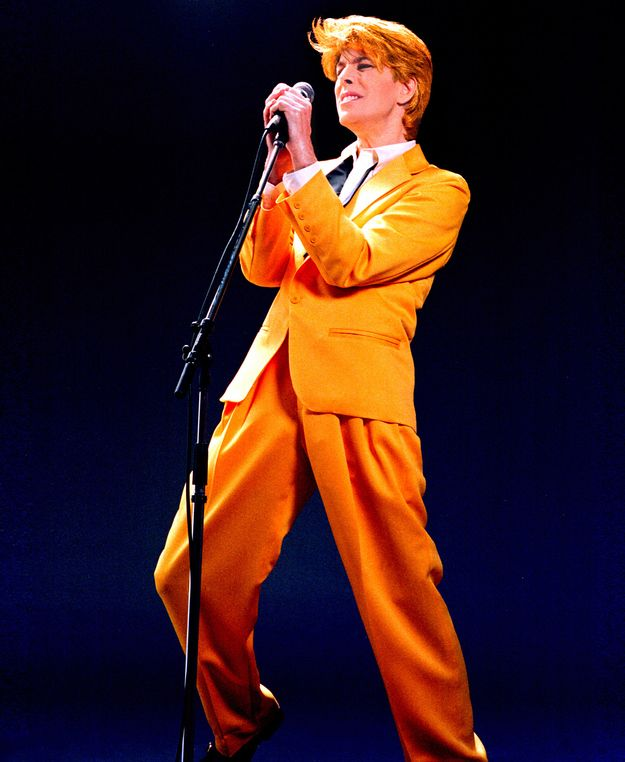20 Of The Most Original Stage Costumes David Bowie Tribute David Bowie David Bowie Modern Love