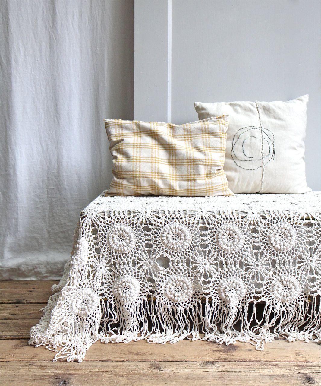 Vintage crochet bedspread coverlet throw bohemian modern vintage crochet bedspread coverlet throw bohemian modern victorian bedding bankloansurffo Choice Image