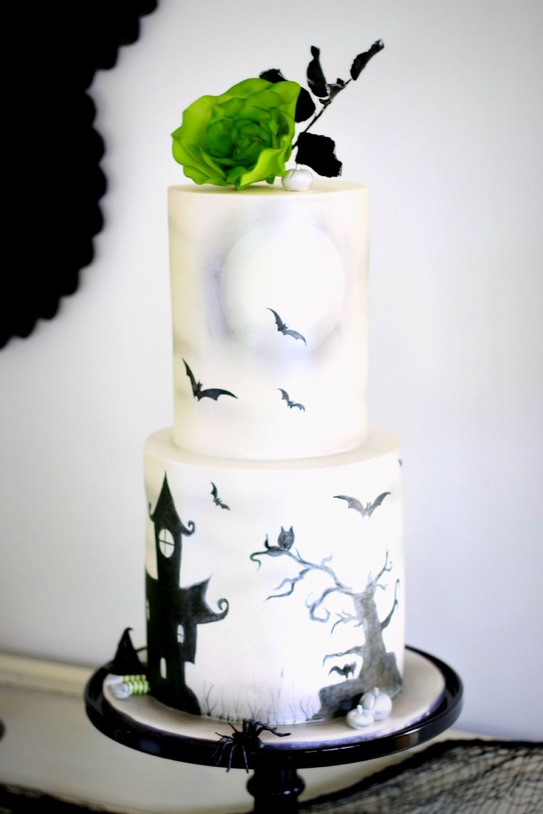 Elegant, Feminine Halloween Cake Halloween Treats Pinterest - Halloween Cake Decorating Ideas