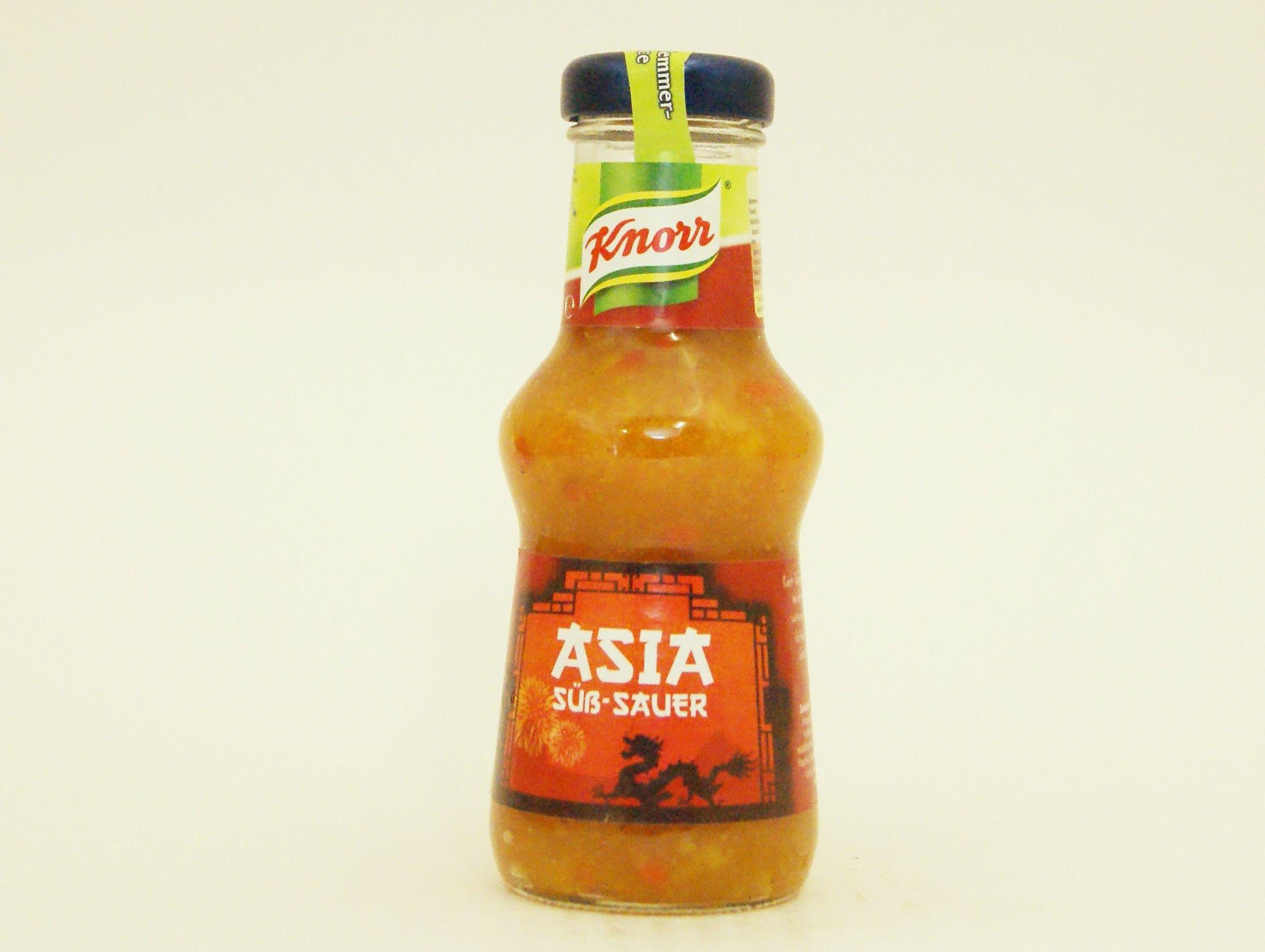 """Für alle Aufgeschlossenen, die auch mal neue Geschmacksrichtungen mit Fleisch und Würstchen kombinieren wollen, hat Knorr pünktlich zum Start der Grillsaison neue Saucen auf den Markt gebracht. Die """"Knorr Grillsauce Asia Süß-Sauer"""" steht für feinen asiatischen Geschmack ohne Zusatz- und Konservierungsstoffe, der besonders gut zur Verfeinerung fernöstlicher Gerichte geeignet ist. #knorr #bbq #grillen #barbecue #meat #fleisch #asia #hot #sweetsour #suesssauer #grillsauce #food"""