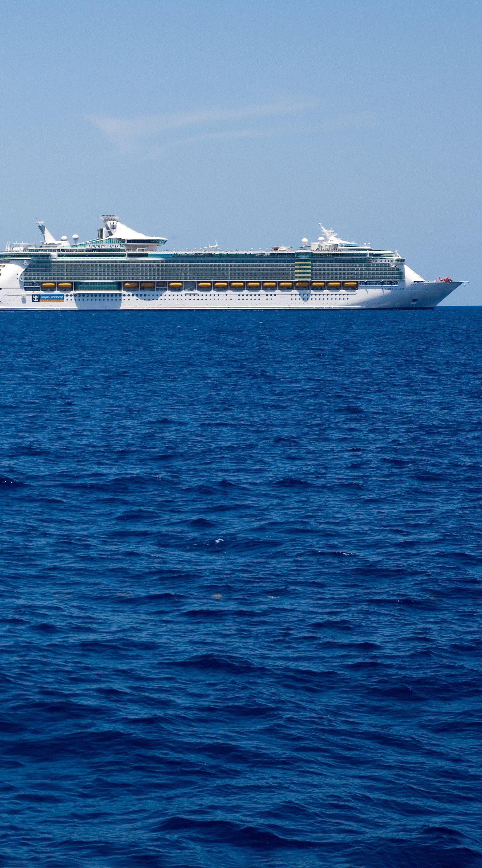 Freedom Of The Seas Cruise Ship Royal Caribbean Cruise Lines Royal Caribbean Cruise