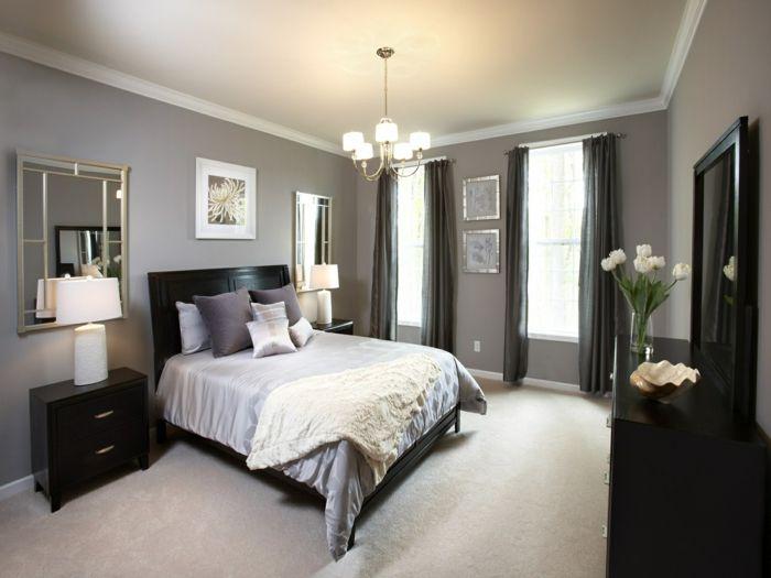 schlafzimmer grau beiger teppichboden wandspiegel schwarze akzente ...