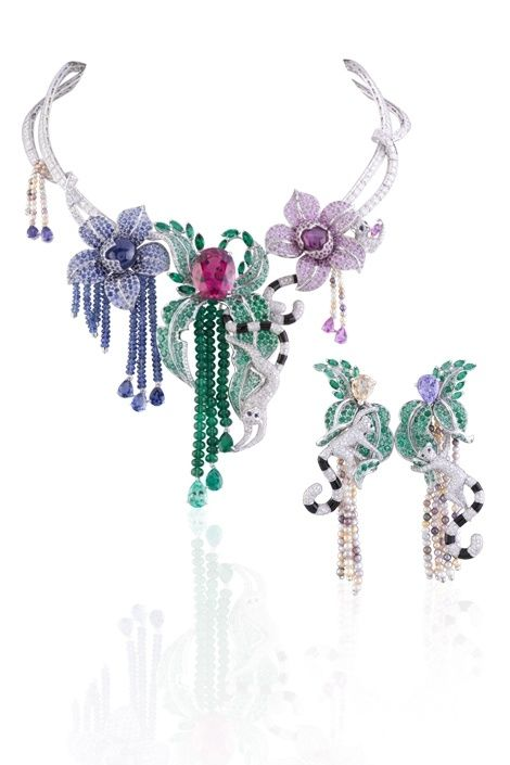 37deec00f554b Van Cleef & Arpels Necklace from the Extraordinary Voyages high ...