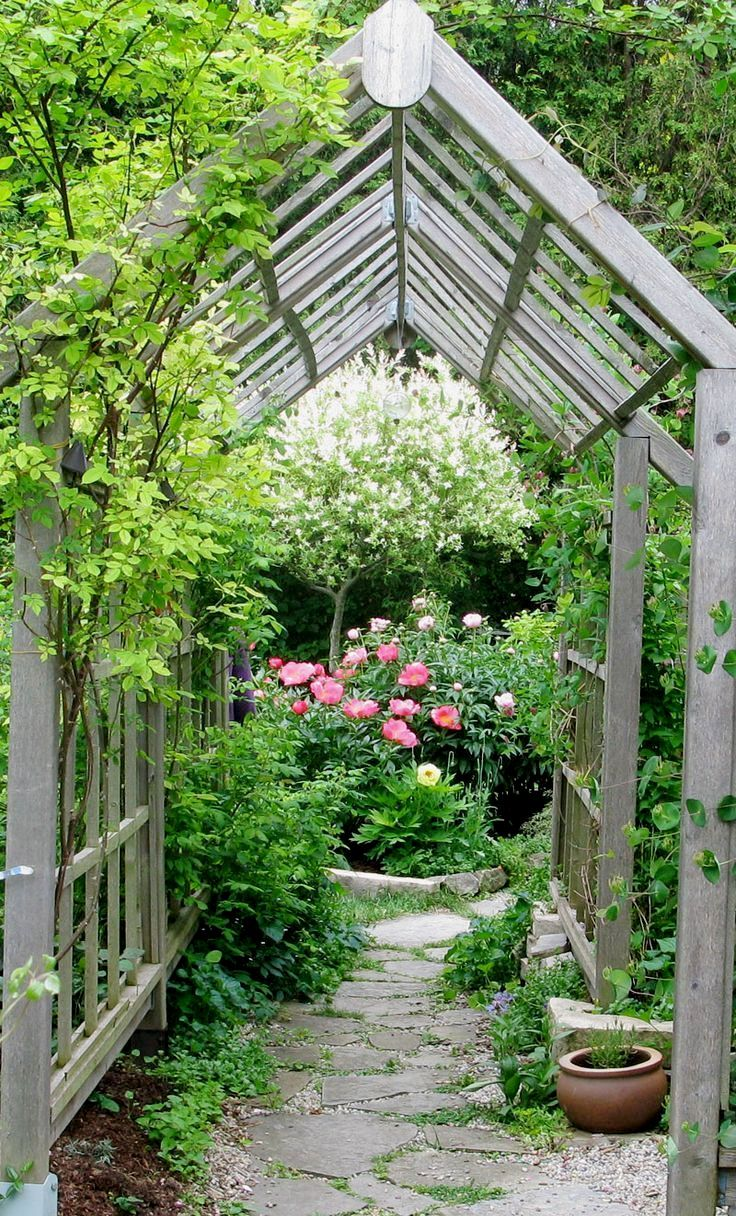 Ideas For Garden Trellis Part - 33: Rose Arbor With Arch - See 20 Arbor, Trellis, And Obelisk Ideas For Your  Garden - Gardening For Life