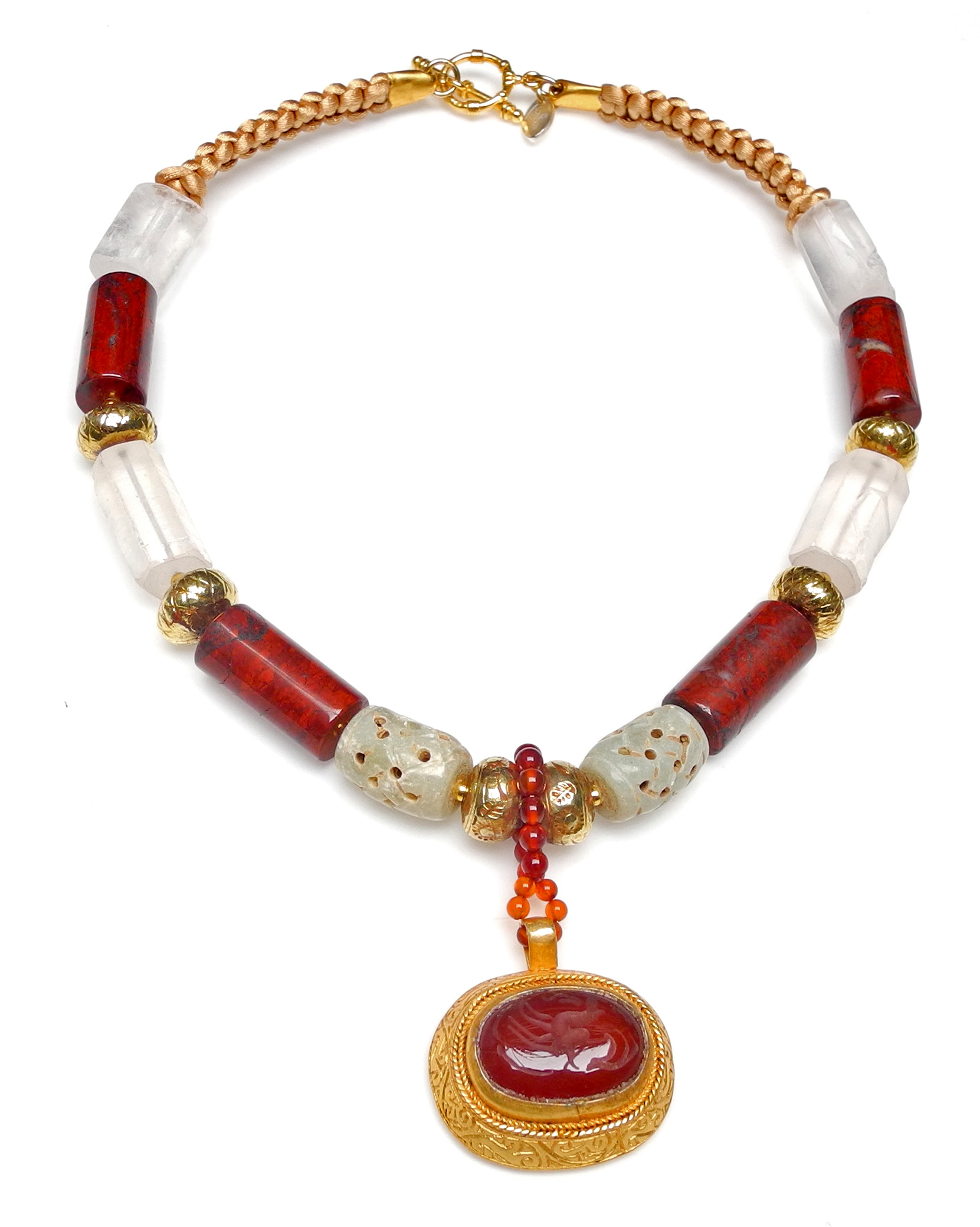 Natural Carnelian Intaglio Set In 18 Ct Gold On Silver On Necklace Of 18 Ct Gold Calcified Jade Crystal And Natural Jasper Goruntuler Ile Taki