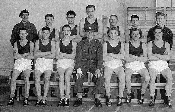 Queen's Royal Regiment. The 1st Bn Queen's Boxing Team 1951, Runners up 2 Inf Div Championships.