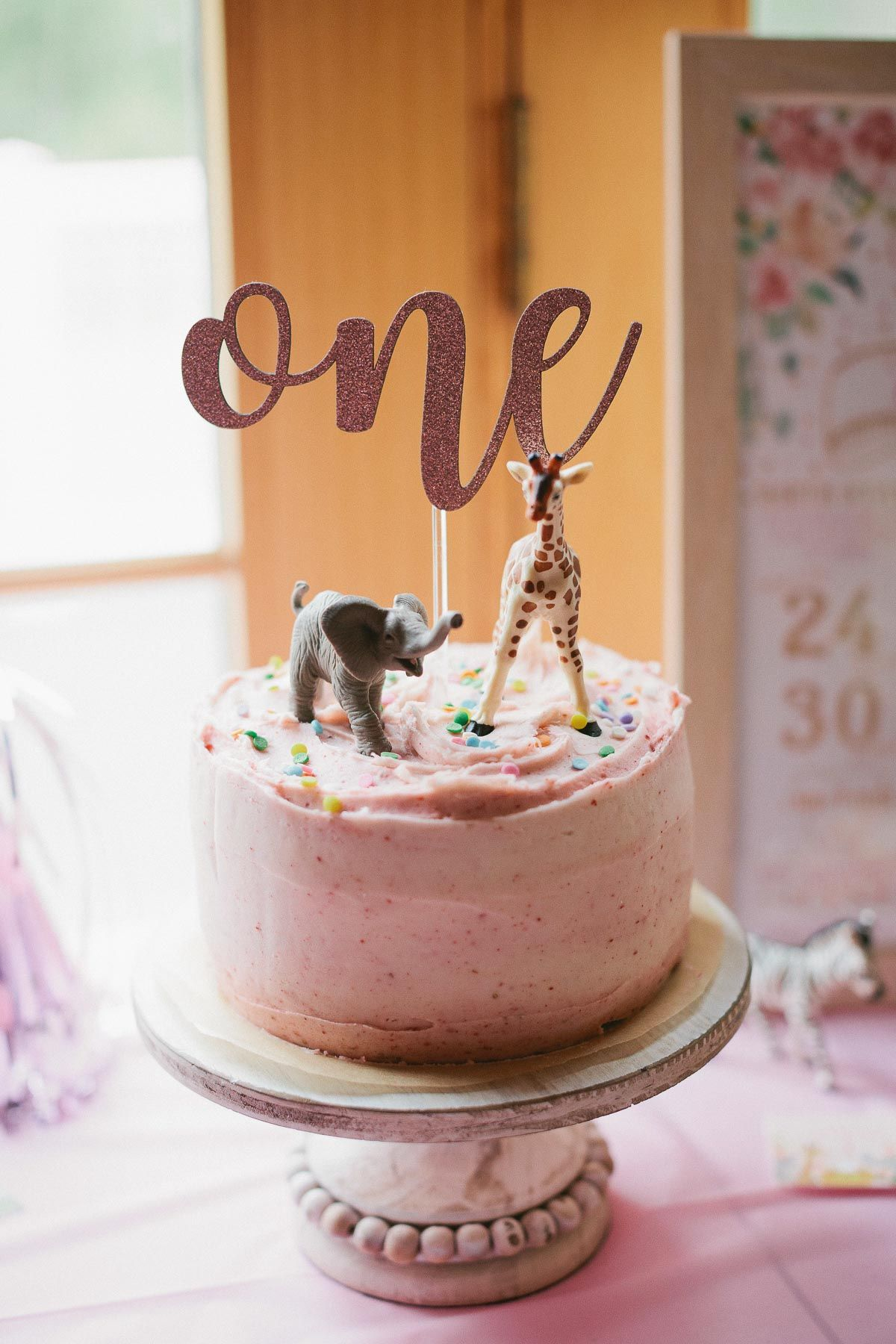 This baby girl's 1st birthday cake recipe is a 6inch