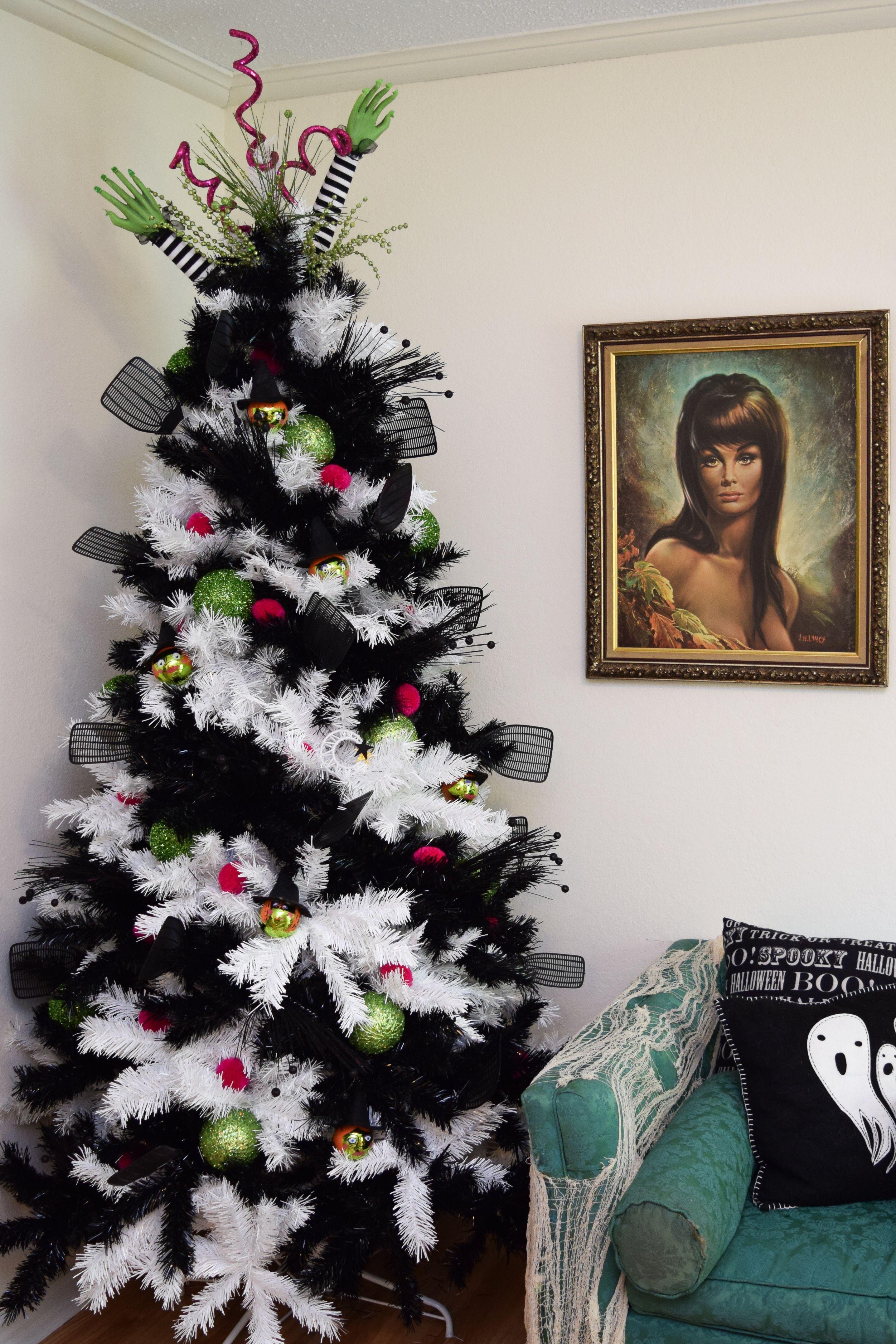 Zebra Striped Christmas Tree Christmas Tree Amazing Christmas Trees Christmas Tree Themes