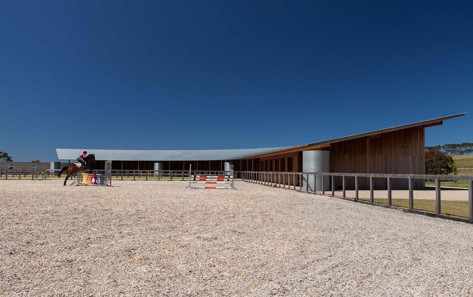 Galeria de Centro Equestre / Seth Stein Architects + Watson Architecture+Design…