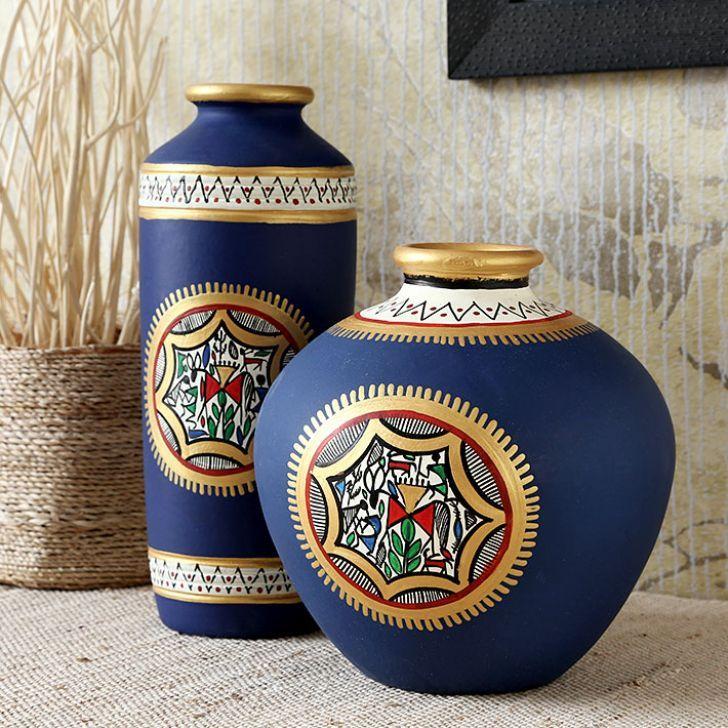 Maati Designs Blue Earthen Vase Set Of Two Fabfurnish Com Pottery Painting Designs Antique Vase Diy Vase