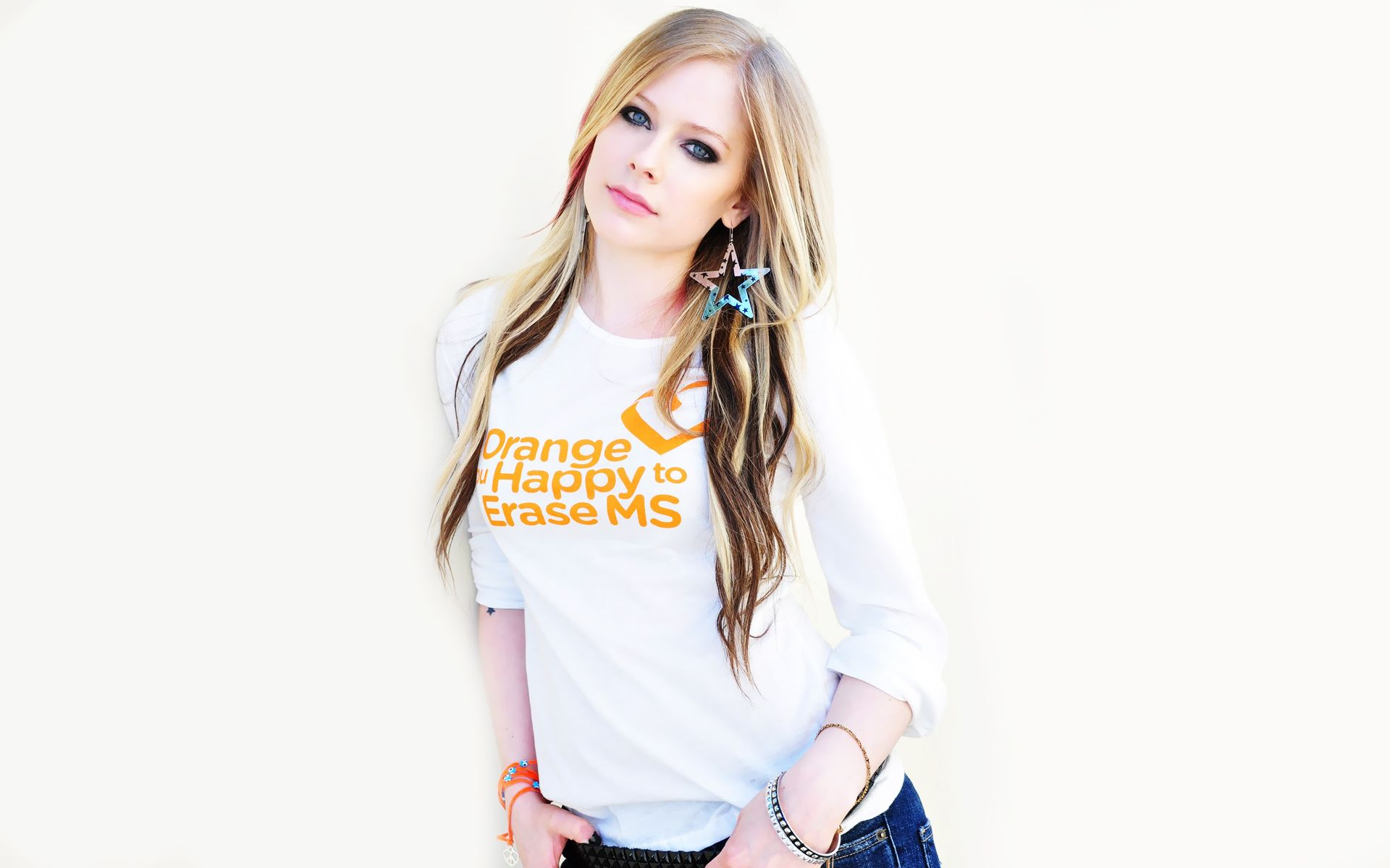 Avril Lavigne Wallpaper wallpapers Avril Lavigne Wallpaper
