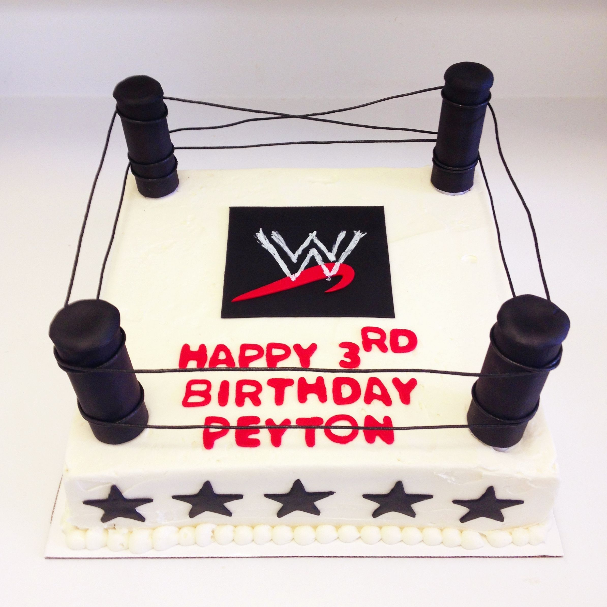 Wrestling ring birthday cake - Sweets by Millie