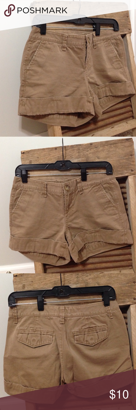🏜Safari shorts Old Navy brand. These tan shorts have a cuff on the bottom and are a size 2 and low rise. 100% cotton! Great for any occasion! Pockets in the front and back! The pockets in the back have buttons! Who doesn't love buttons? Old Navy Shorts