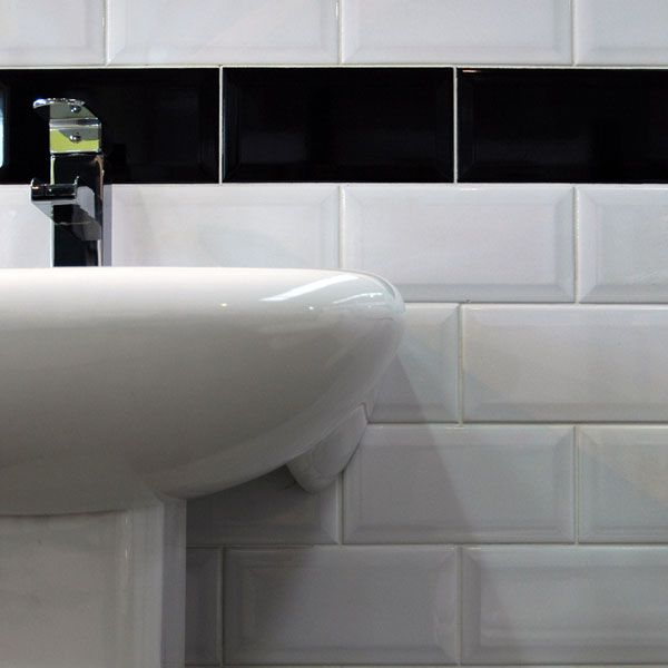 Bevel Brick White Is A White Gloss Bevel Edge Wall Tile By Johnson Tiles Prefect As A Kitchen Splash Back Or A Traditional Bathroom Wall Tile Also Known As