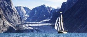 """Pronti a imbarcarvi per la Groenlandia? Dal 2 giugno all'1 di ottobre di quest'anno potrete solcare i ghiacci di una terra bellissima e selvaggia, a bordo dello schooner di 42 piedi R/V Ault nell'ambito del progetto chiamato """"The 2016 Greenland…"""