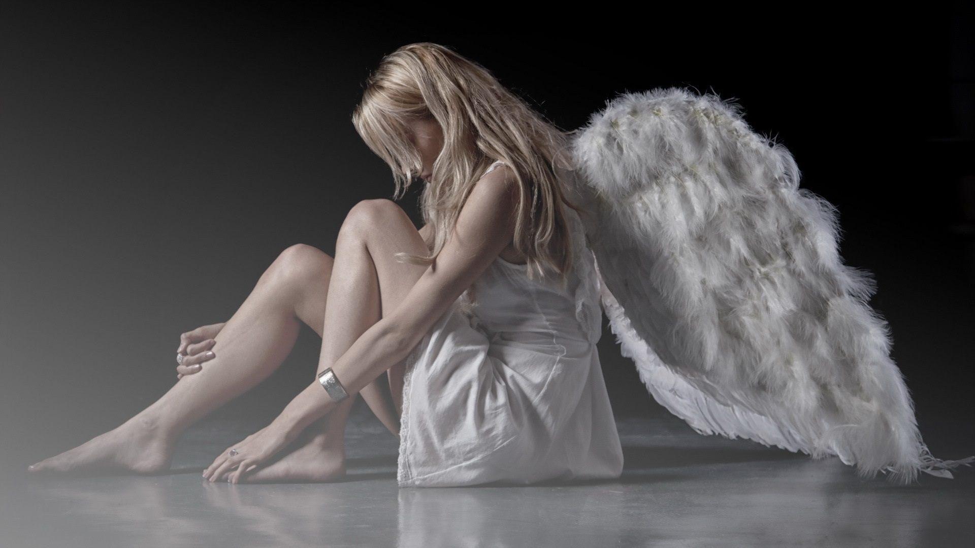 beautiful angel Free Download Beautiful Angel Wallpaper