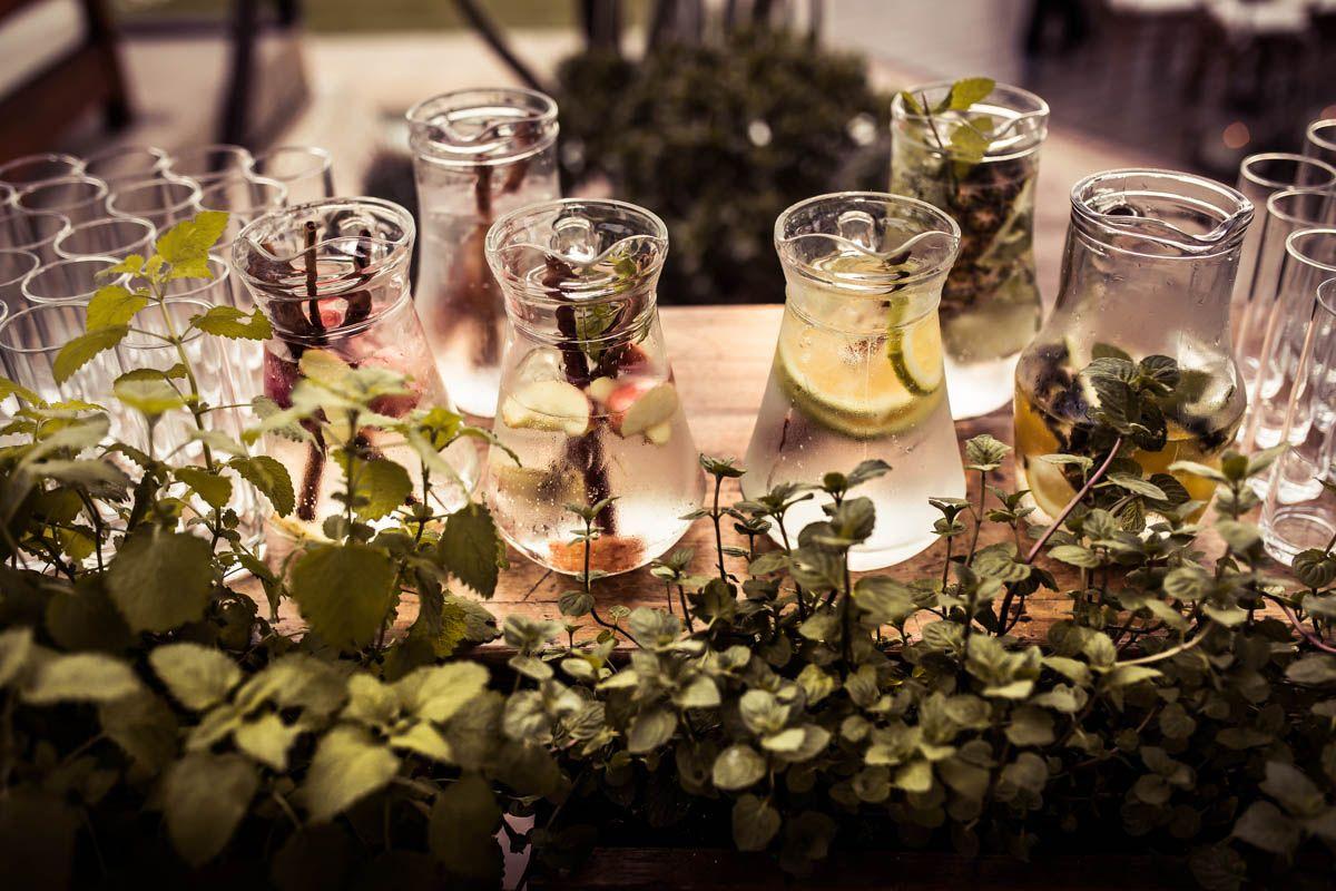 Águas saborizadas para convidados - Casamento Lissa Fedrizzi e Thiago Cruz