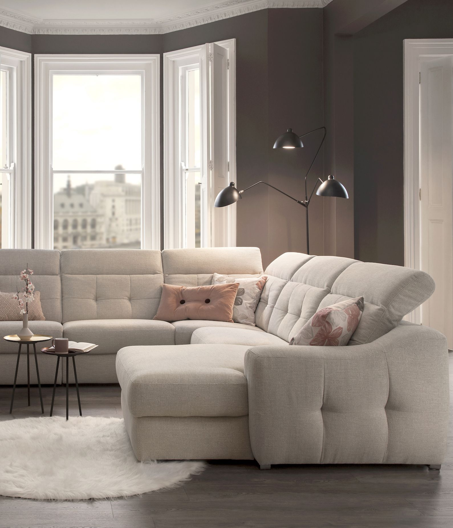 Our Custom Made Sofas Can Be Configured To Fit Perfectly Into Your Living Room Add Innovative Features Such As Wide And Heated Seats Fo Rom Sofa Sofa Sofa Uk