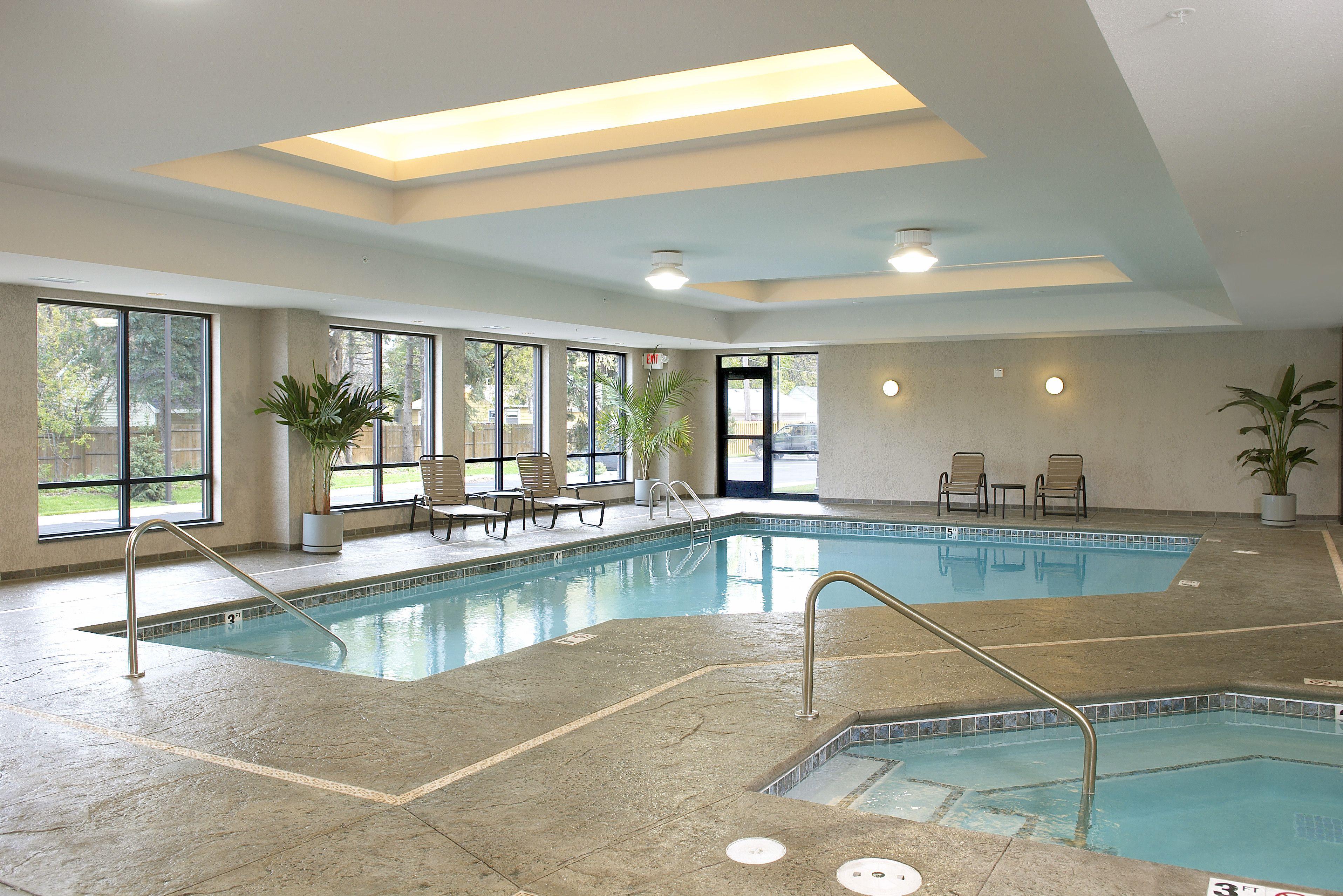 Indoor Pool At Hiawatha Flats Apartments In Minneapolis Mn Flat Apartment Apartment Indoor Pool