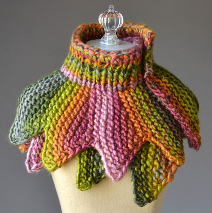 Free Knitting Pattern For 18 Petals Scarf Knit Cowl Pinterest