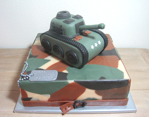 leger taart Army cake leger taart taart tank   DORTY   Pinterest   Army cake  leger taart