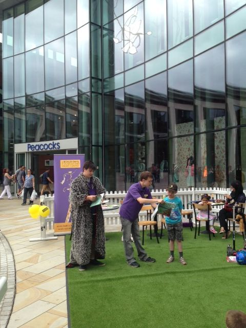 Roald Dahl storytelling event on The Lawn - 20th July. #Shopping #Woking #Surrey #StoryTelling #Summer.