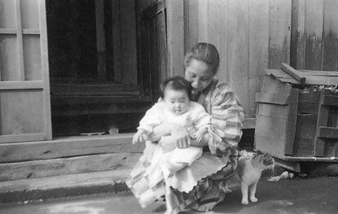 イメージ1 - 昭和の家並  ゴミ箱 板塀の画像 - 日本古写真倶楽部 - Yahoo!ブログ