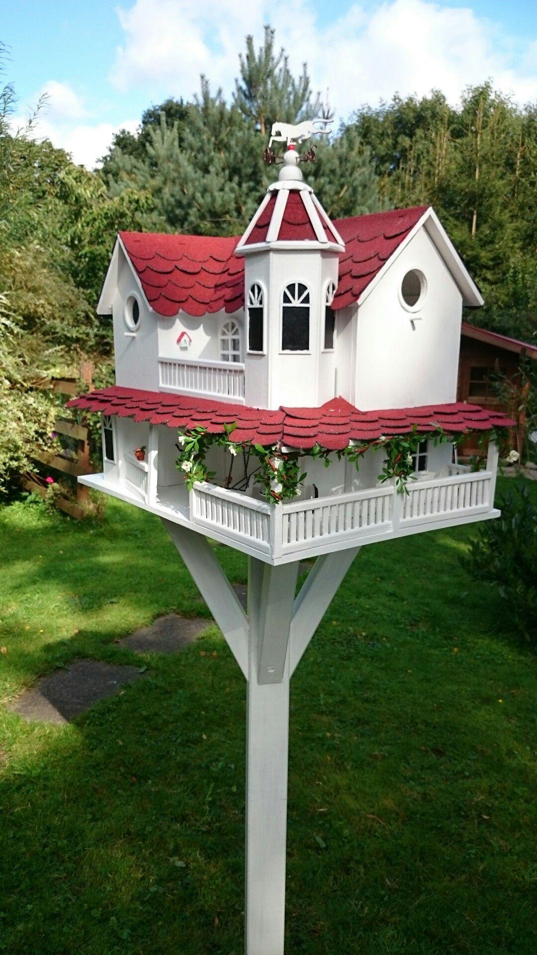 vogelfutterhaus in americanischen design mit futterschublade u nistplatz selbst gebaut. Black Bedroom Furniture Sets. Home Design Ideas