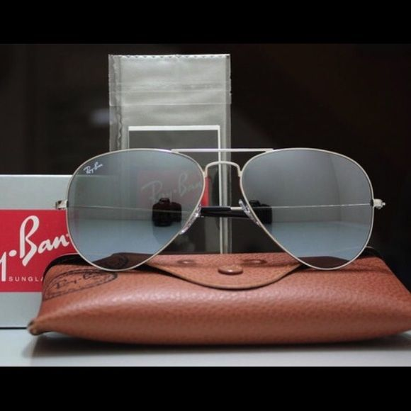 3529312b76f Ray ban Aviators RB3025 Chrome mirror lens Silver Ray ban RB3025 Mirrored  chrome lens  Silver Frame size 58 medium