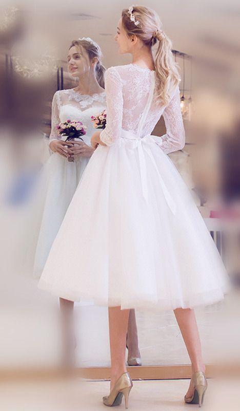 Vestido de novia de playa hasta la rodilla de encaje con medias mangas  – Boda